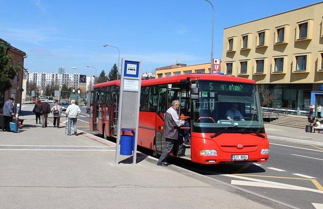 Městskou dopravu chtějí radní ve Žďáře více zpopularizovat. Ve středu představí první novinky.