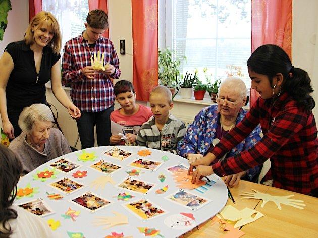 V pořadí čtvrtá schůzka dětí se seniory.