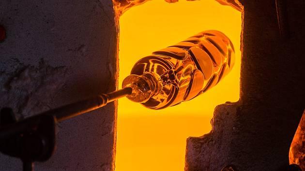 Karlovská sklárna láká do galerie i na exkurze do výroby