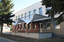 Kulturní dům prošel další etapou postupné revitalizace. Kromě nové střechy a fasády vznikla také boční terasa restaurace Club, která je součástí kulturního domu.