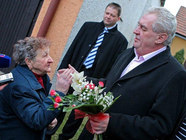 Miloš Zeman při loňské návštěvě Nového Veselí.