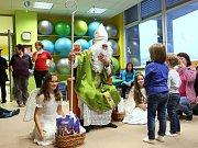 Rodinné centrum Srdíčko, sídlící ve čtvrtém patře žďárské polikliniky, zahájilo ve čtvrtek 30. listopadu maraton předvánočních akcí tradiční Mikulášskou nadílkou.
