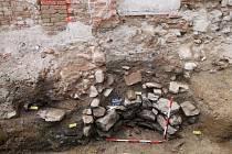 V Hornoměstské ulici ve Velkém Meziříčí pracují archeologové na výzkumu při stavbě bytového domu Rezidence Balinka.