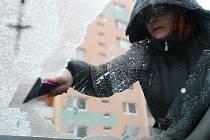 V okolí Velkého Meziříčí padal v neděli ráno mrznoucí déšť.