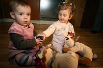 Záměnu dětí v porodnici odhalil jeden z rodičů tím, že nechal udělat testy DNA sobě a dceři.