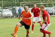 V 6. kole I. B třídy – skupiny B získala Nedvědice (v červeném) tři body za výhru nad Hartvíkovicemi. Štěpánov (v oranžovém)  se s béčkem Bíteše rozešel nerozhodně.