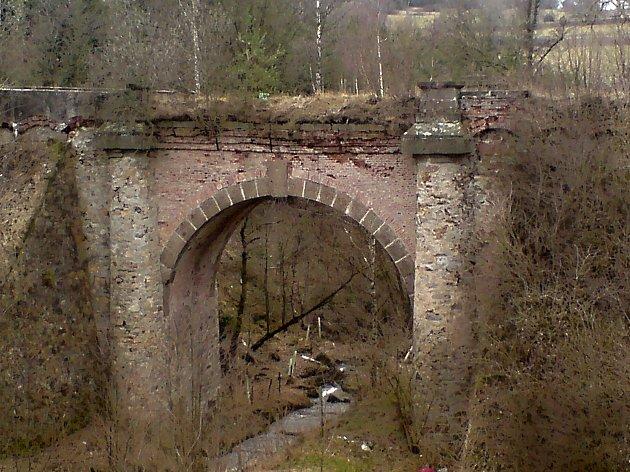 Most zvaný Loupežnický nebo také Vysoký.