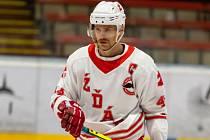 Martin Pleva se, jako již tradičně, na jaře věnuje oblíbenému in-line hokeji.