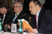 Michal Šmarda byl na ustavujícím zastupitelstvu opět zvolen starostou Nového Města.