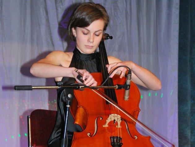 Marie Charvátová, již nominovala ZUŠ Jihlava, zvítězila v uměleckém oboru středních škol.
