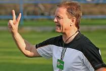 """Trenér Karel Kolesa dodnes nejraději vzpomíná na své první angažmá u fotbalistů Havlíčkova Brodu. """"To je moje srdeční záležitost. Zpětně lituji, že jsem tenkrát od mužstva odešel do divizní Třebíče,"""" přiznal."""