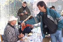 Miroslav Marek (vpravo) z agentury Dobrý den.