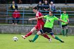 Fotbalisté Velkého Meziříčí (v červeném) i Nového Města na Moravě (v zelených dresech) už vědí, jakým způsobem by mohli dohrát letošní ročník MSFL.