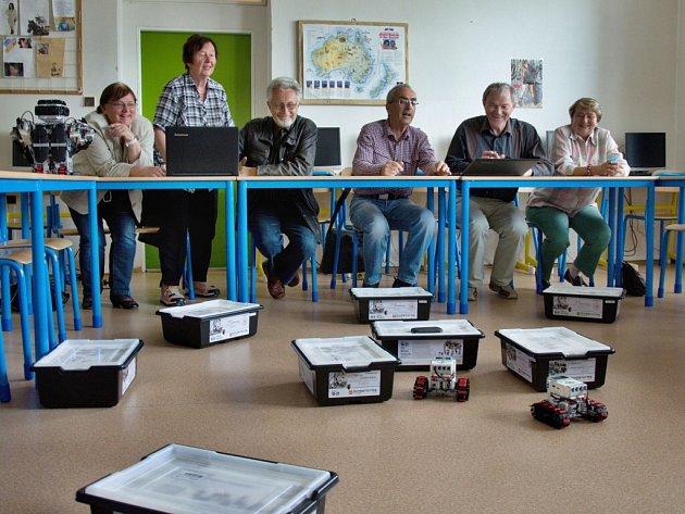 Ve žďárském gymnáziu začal nový cyklus odborných přednášek pro veřejnost.