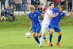 Fotbalisté Nové Vsi (v modrých dresech) i letos patřili k tomu lepšímu, co nejvyšší krajská soutěž nabízela.