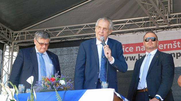 Závěr prezidentské návštěvy byl v Bystřici nad Pernštejnem.