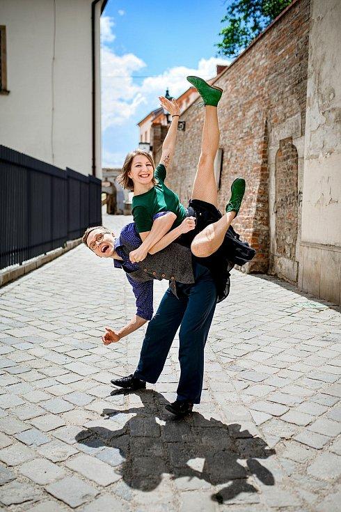 Jana Měchurová je mezinárodní lektorka a choreografka swingových tanců z Brna. Tanci se věnuje od svých čtyř let. Pro swing se nadchla v roce 2013 a od té doby se mu usilovně věnuje. Foto: archiv Jana Měchurová