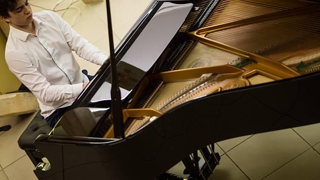 Sbírka na nový klavír odstartovala festival komorní hudby
