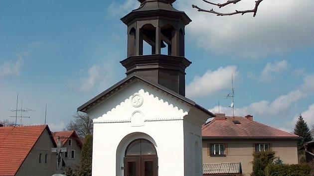 Sakrální stavba (na snímku) vznikla koncem 19. století.