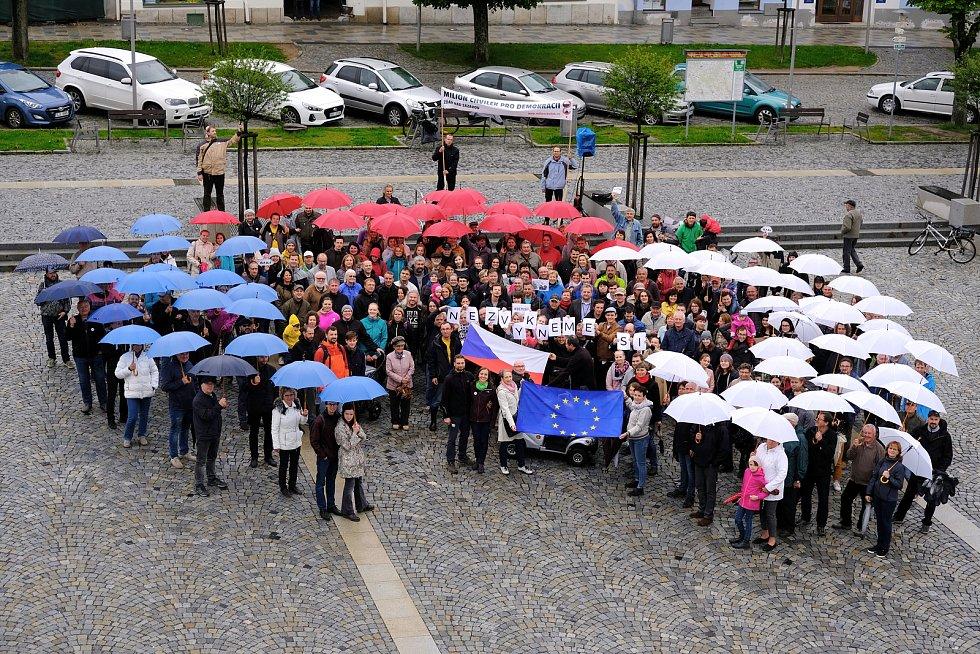 Demonstrovalo se i ve Žďáře nad Sázavou.