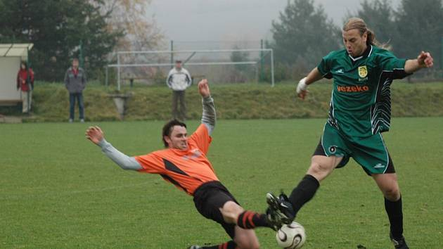 Bory na jaře táhne výjimečný střelec Milan Špaček (vpravo), který dal v šesti zápasech už 14 gólů.