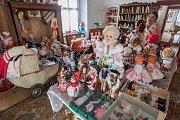Muzeum panenek v Bobrové.