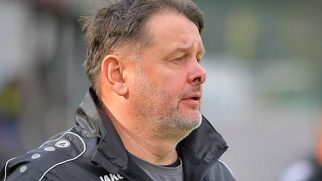 Po dobrovolném konci u divizních fotbalistů FC Žďas Žďár si chce dát trenér Petr Nedvěd od fotbalu na nějaký čas pauzu.