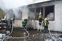 Požár v hale firmy Grata, která sídlí v areálu firmy Žďas.