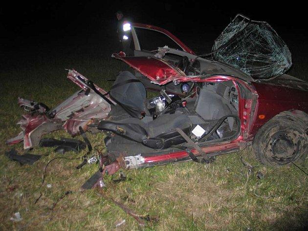 Toto zbylo z automobilu po těžké nehodě u Velké Bíteše.