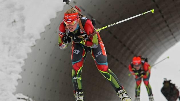 BIATLONISTY VYSTŘÍDAJÍ SPRINTEŘI. Už za třiadvacet dní startuje v Novém Městě na Moravě  Světový pohár v běžeckém lyžování. Vysočina Arena tak po necelém roce, kdy hostila MS v biatlonu, znovu ožije.
