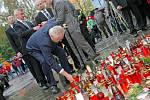 Prezident Miloš Zeman uctil v pátek památku tragicky zesnulého studenta Petra Vejvody ze žďárské obchodní školy.