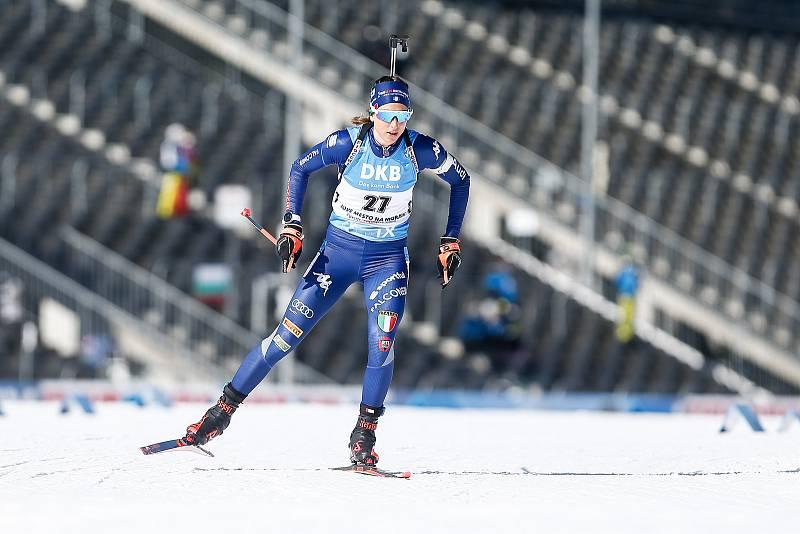 Lissa Vittozzi v závodu Světového poháru v biatlonu v závodu sprintu žen na 7,5 km.