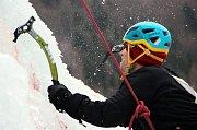 Vírský cepín na ledově stěně ve Víru 2017.