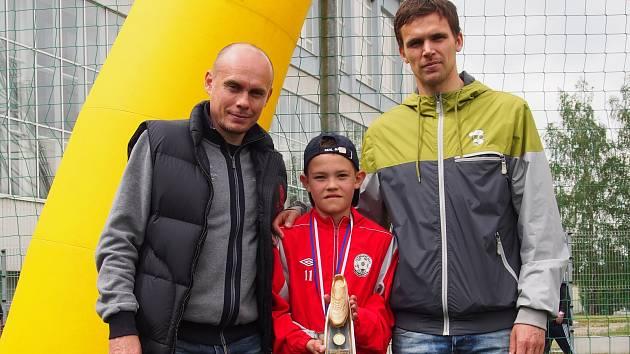"""Talentovaný dorostenec Adam Homolka (uprostřed) si začátek března zpestří fotbalovým """"výletem"""" do italského Turína."""