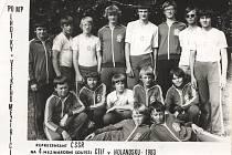 Mladí hasiči z SDH Lhotky se v roce 1983 dostali na mezinárodní soutěž v Nizozemí.