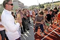 Jedním z projektů Bystřice nad Pernštejnem, jenž se dočkal evropské podpory, se stal Atletický stadion Tomáše Dvořáka, který vznikl rekonstrukcí školního hřiště v Nádražní ulici. Na ten Bystřičtí získali 19 milionů korun.
