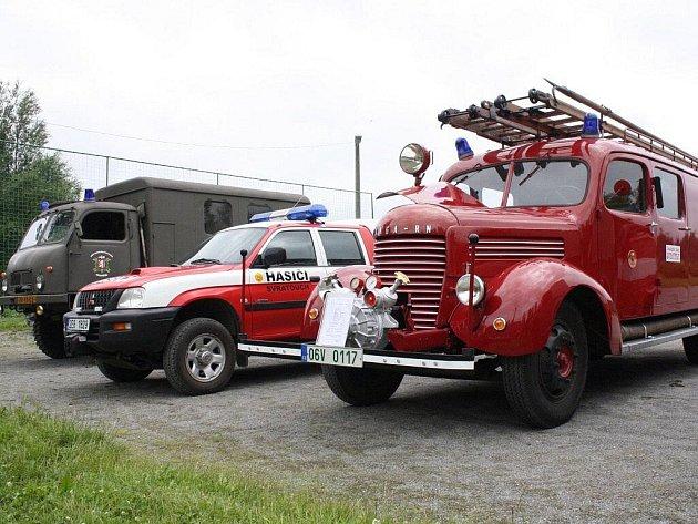 Více než sto hasičů a hostů se sešlo v sobotu 27. června v obci Chlumětín, kde se konala oslava 120. výročí založení tamního Sboru dobrovolných hasičů (SDH)
