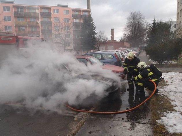 Požár auta ve Žďáře.
