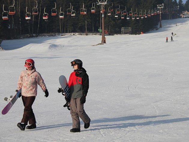 O víkendu se bude lyžovat na Fajtově kopci u Velkého Meziříčí, v Novém Jimramově a na Harusově kopci u Nového Města na Moravě (na snímku).