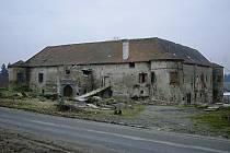 Zámek je unikátem v celé republice, stavby s podobným půdorysem se nacházejí spíše na Slovensku.