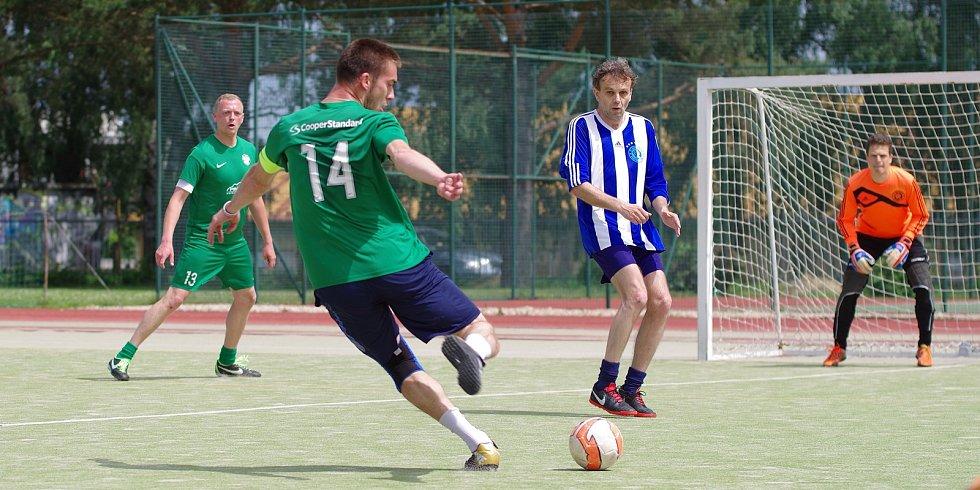 Šlágr první ligy mezi Kozel Teamem (v zeleném) a FC Benjamin nabídl drama až do konce. Výhru 2:1 zařídili svými góly Jan Gančev a Martin Landsman.
