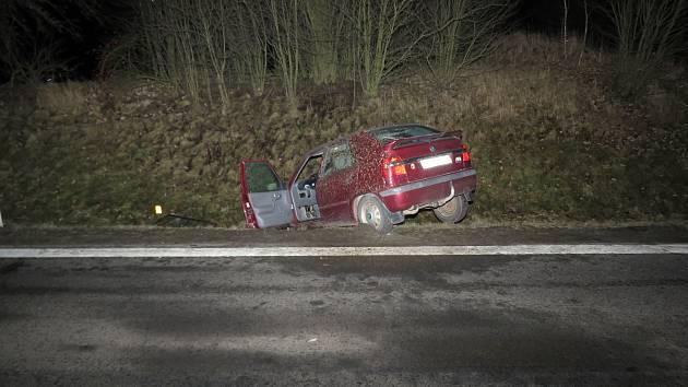 Ukradené a havarované auto.