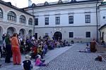Nedělí končí Sbírka motýlů, tradiční divadelně hudební festival, který na pět dní ovládl Nové Město na Moravě.