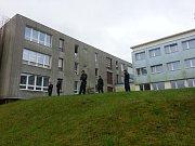 Policie zasahuje ve žďárské obchodní škole.