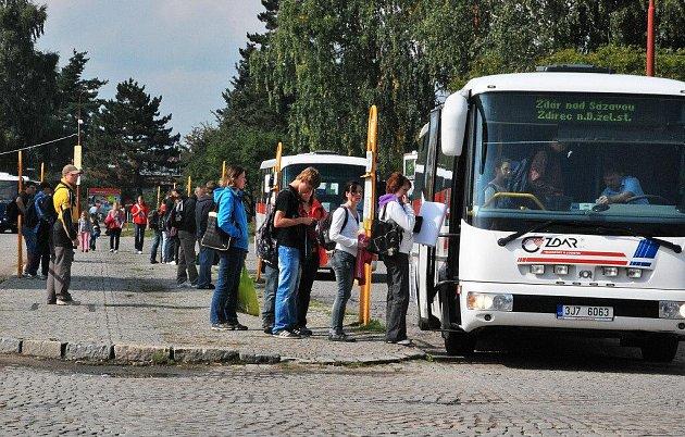 V neděli 15. prosince 2013 dojde ke změně jízdních řádů u linkových spojů i žďárské MHD.