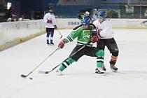 Posledními zápasy devatenáctého kola se uzavřela základní část vesnické hokejové ligy.