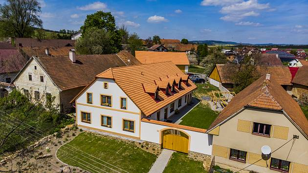 S číslem 13 soutěží bytový dům, který navrhla obec Řečice.