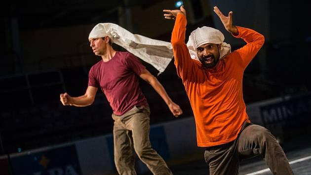 Mezinárodní festival současného tance, pohybového divadla a nového cirkusu Korespondance.