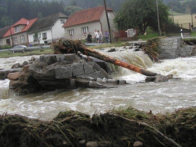 Povodne Šlapanov 2002