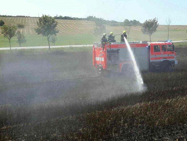 Zasahujícím jednotkám se podařilo požár velmi rychle lokalizovat a zlikvidovat.